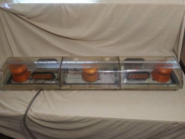 Photo code 3 xl5000 amber strobe  led wrecker warning lightbar light bar - $350 (nowata)
