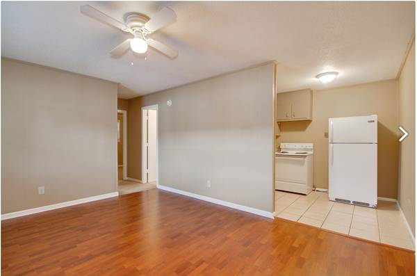 Photo 1 Bed 1 Bath 3 minutes from cus and $800 bonus