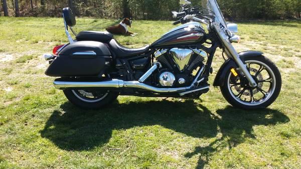 Photo 2014 Yamaha V Star 950 Tourer - $4,600 (Millport)