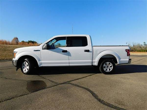 Photo 2019 Ford F150 F150 F 150 F-150 truck SuperCrew XLT 5 12 - OXFORD WHITE (Ford_ F150_ truck_)