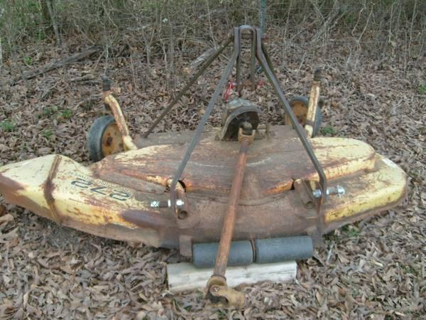 Photo 272 John Deere finish mower - $600 (Vance)