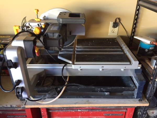 Photo Chicago Electric Industrial TileBrick Saw - $235 (West side of Huntsville)