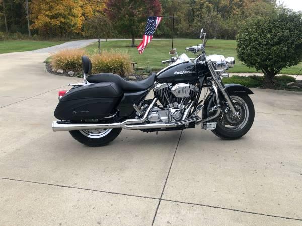 Photo 2005 Harley Davidson Road King - $7,500 (Homeworth)