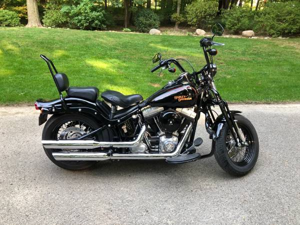 Photo 2009 Harley Davidson Crossbones Ed. - $12,500 (Chardon)