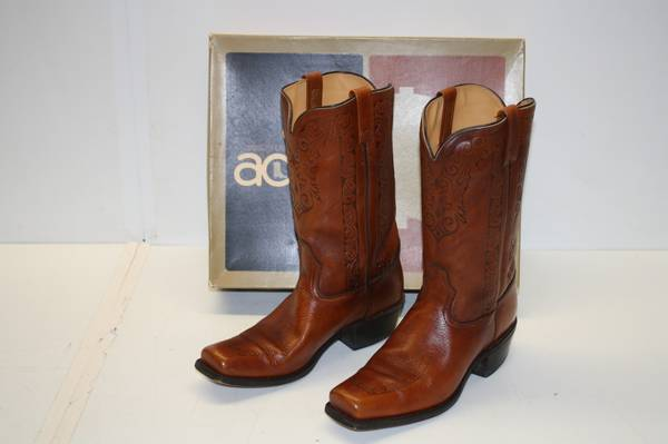 Photo Cowboy Boots Acme Men39s Western Size 11B Very Lightly Worn with Box - $40 (WESTLAKE)