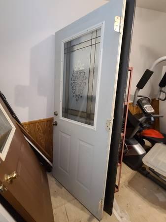 Photo Exterior door with decorative window - $40 (Akron)