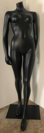 Photo Female Headless Mannequin  Form - 5394quot Tall - Jet Black - $50 (Austintown)