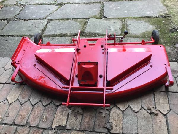 Photo GRAVELY 50 MOWER DECK - $400 (Dover)