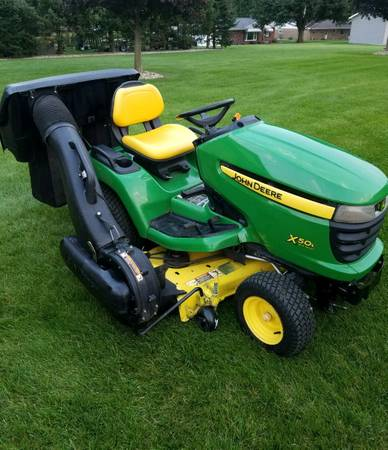Photo John Deere 500 Lawn Mower - $3,500 (Strasburg)