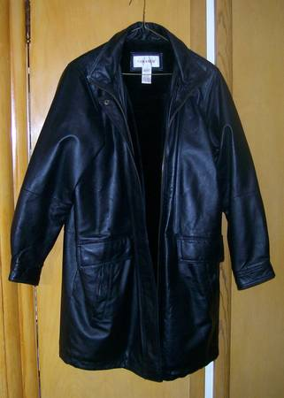 Photo Womens new leather hooded coat w hood - $35 (Mayfield Village)