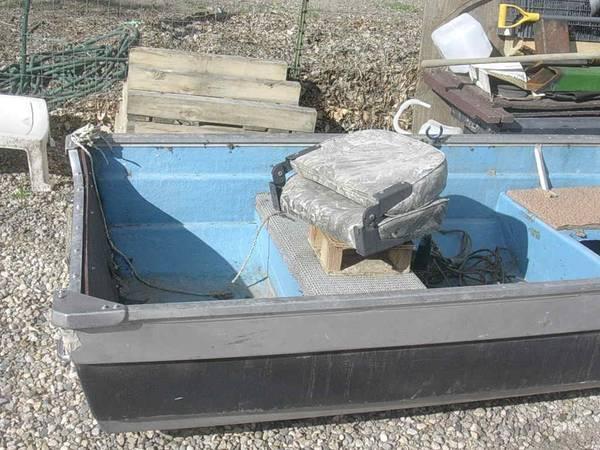 Photo 12 foot open boat - $400 (emmett)
