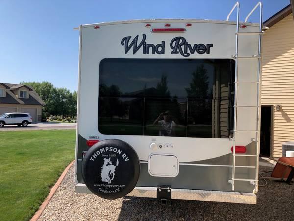 Photo 2013 Outdoors RV- Wind River 280 RLS - $25,500 (Twin falls ID)