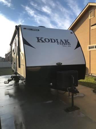 Photo 2017 Dutchmen RV Kodiak Express Ultra Light 223RBSL - $19,300 (Meridian)