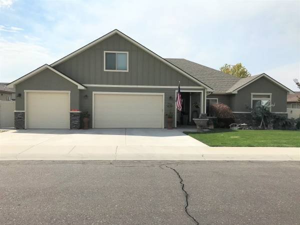 Photo 2185 Nisqually Street - (3 to agent)Open house 81520 from 9AM - 2PM (Twin Falls)