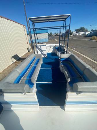 Photo 25 foot party barge deck boat - $13,000 (Ontario)