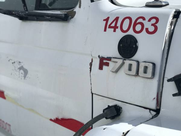 Photo 6th Generation Ford F700 - $3,500 (Bellevue)