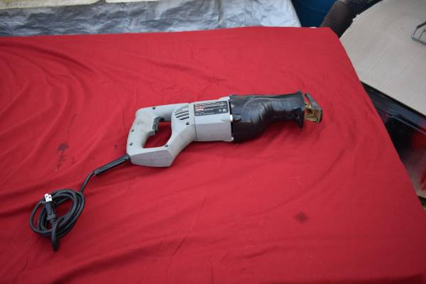 Photo Craftsman Reciprocating Saw 8 Amp 2400 Min RPM - $75 (Caldwell)