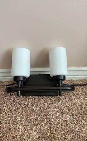 Photo Dawson 2 light vanity in oil rubbed bronze and o - $60 (Syracuse)