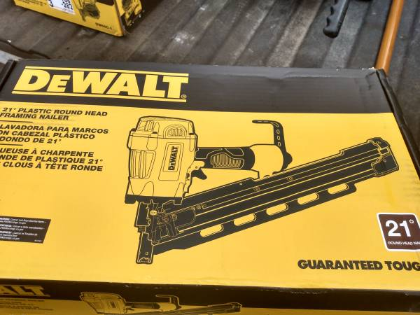 Photo DeWalt framing nailer - $200 (Oakley)