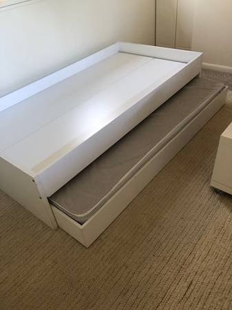Photo Ikea twin trundle bed - $50 (Ketchum)
