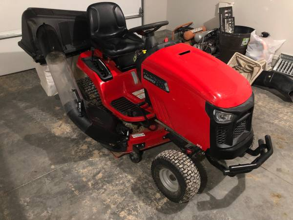 Photo LIKE NEW Snapper SPX 23 HP Riding Lawn Mower With Bagger - $1700 (Twin Falls)