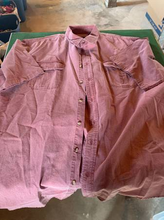 Photo Mens shirts XL and XXL carhartt wrangler cabelas - $10 (Twin Falls)