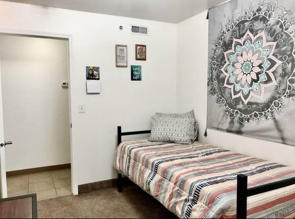 Photo Private Bedroom (Twin Falls, ID)