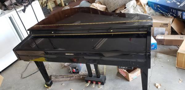 Photo Suzuki GP-3 Digital Mini Grand Piano - $150 (Meridian)