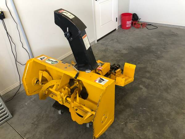 Photo Walker Zero Turn Riding Lawn Mower 42 Dual Stage Snow Blower - $2000 (Twin Falls)