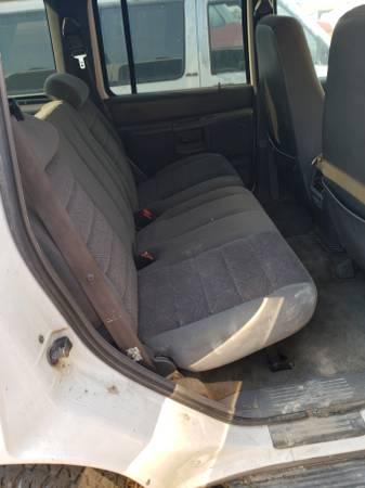 Photo White Ford Explorer - $2,500 (Jackson)