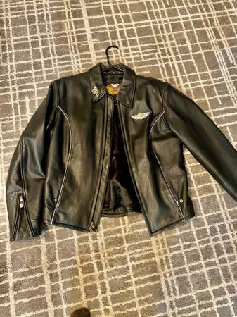 Photo Womens Medium Harley Davidson Jacket - $150 (Twin Falls)