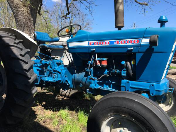 Photo 1972 FORD 4000 TRACTOR - $7,500 (DANSVILLE)