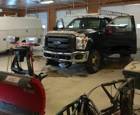 Photo 2012 Ford F350 w plow and Spreader - $16500 (Osceola, PA)