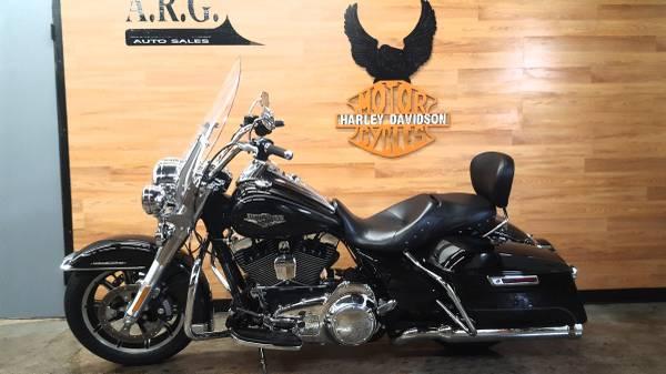 Photo 2016 Harley Davidson Road king - $14,995 (Buffalo)