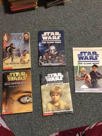 Photo 5 Star Wars Books - $5 (North Tonawanda)