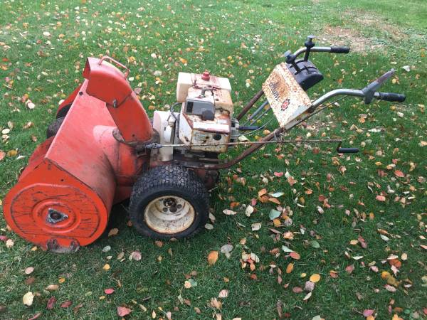 Photo Ariens 32quot Vintage Snow Blower with Chains Heavy Duty 1974 - $220 (Castile)