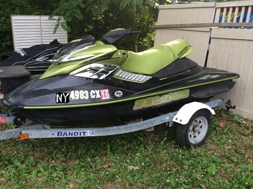 Photo Buying SeaDoo Projects Yamaha Kawasaki Jet Ski jetski boat (Niagara County)