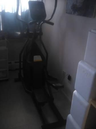 Photo Horizon EX-57 Elliptical Machine - $100 (Olean)