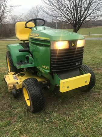 Photo John Deere 325 Lawn Tractor - $1,400 (Wyoming)