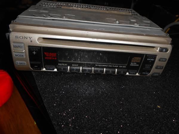 Photo Sony Compact Disc Digital Audio - $75 (NIAGARA FALLS)