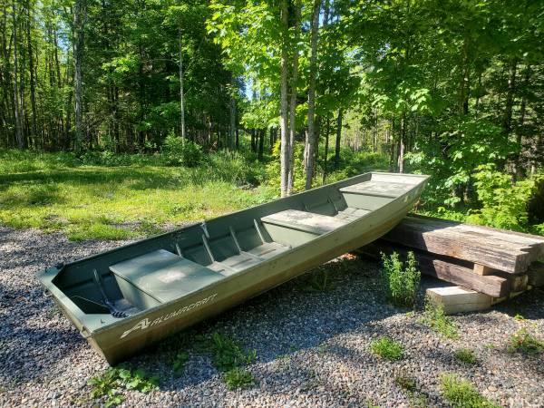 Photo 14 ft heavy duty Alumacraft Jon boat - $850 (Amasa)