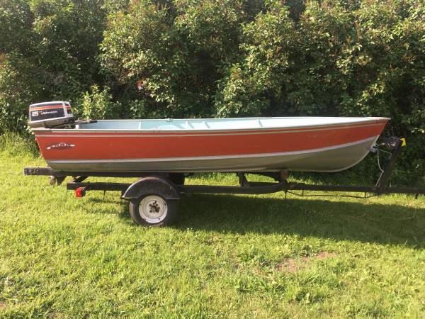 Photo 15 ft Lund boat with 25 hp outboard with electric start - $2,550 (Crystal Falls)