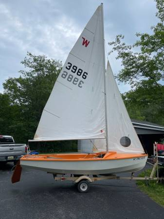 Photo 1639 wind chaser sail boat - $950 (Rapid River)