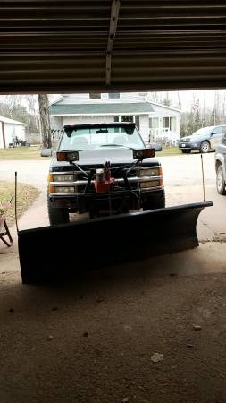 Photo 1995 chevy plow truck - $1,000 (Loretto)