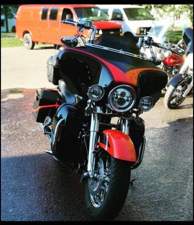 Photo 2007 Harley-Davidson Ultra CVO - $10,700 (Ironwood)