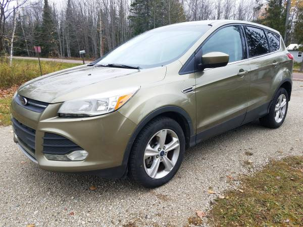 Photo 2014 Ford Escape SE FWD - Texas vehicle NO RUST and 3,000mile motor - $9,900 (Chassell)