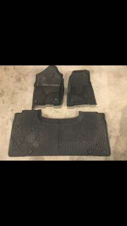 Photo 2019 Ram Crew Cab custom fit floor mats front and back. - $40 (Iron Mountain)