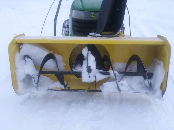 Photo 44quot Snowblower Attachment for John Deere 100 Series Lawn Tractors - $1100 (Lake Linden)