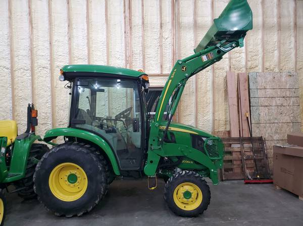Photo $500 OFF ALL IN STOCK PRE-OWNED JOHN DEERE TRACTORS thru 1231 (Grand Rapids)