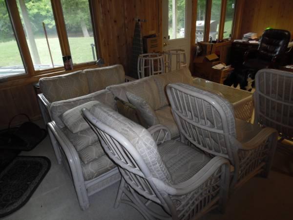 Photo Antique Bamboo Patio Furniture - $2,500 (Gulliver)